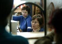 Control la funcţionarii publici: Cărţi de muncă necompletate de 11 ani