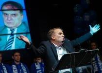 """Nati Meir dă imnul naţional """"inutil"""" pe maneaua lui Minune: """"Venim să vă distrăm că vrem să candidăm"""""""