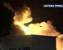 Incendiu puternic la un depozit de anvelope din Pipera. Nouă oameni s-au intoxicat cu fum (VIDEO)