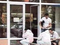 Jaf armat, la un magazin de bijuterii din Călăraşi: Unul dintre hoţi, împuşcat de administrator (VIDEO)
