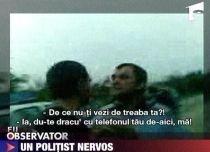 Un poliţist a lovit un tânăr care îl filma în timpul misiunii (VIDEO)