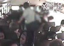 Atac rasist, într-un autobuz şcolar din SUA: Elev alb, bătut de mai mulţi colegi de culoare (VIDEO)
