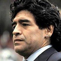 Poliţia italiană a confiscat cerceii lui Maradona