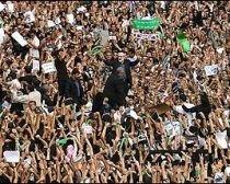 Zeci de mii de iranieni au protestat faţă de puterea de la Teheran