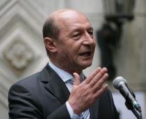 Traian Băsescu i-a numit ?ticăloşi? pe jurnaliştii care l-au acuzat de terorism