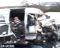 Trei oameni au murit din cauza unui şofer care rula cu 145 km/h
