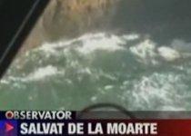 A fost salvat de la moarte, după ce s-a prăbuşit cu parapanta (VIDEO)