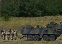Militar român, rănit la o unitate din Curtea de Argeş, după ce bateria unui TAB a explodat (VIDEO)