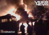 Plopeni. Şase garaje şi o maşină au ars, din cauza unui grătar lăsat aprins (VIDEO)