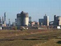 Combinatul chimic Azochim, din Neamţ, acuzat de poluare excesivă de localnici