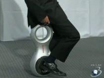 Honda şi-a prezentat cea mai nouă invenţie: Un dispozitiv de mobilitate personală (VIDEO)