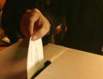 Referendumul şi alegerile prezidenţiale costă statul 50 de milioane de euro