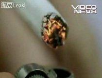 Un fum = un pumn. Campanie dură împotriva fumatului (VIDEO)