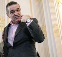 """S-a """"ars"""" Gigi Becali cu 180.000 de euro? Patronul nu are acte pentru banii daţi lui Bergodi"""