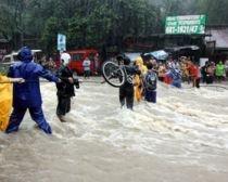 Mii de oameni evacuaţi din cauza inundaţiilor, în Filipine