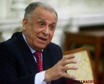 """Iliescu nu exclude posibilitatea ca Băsescu să facă """"spectaculos"""" pe conciliatorul"""