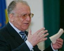 Iliescu: Premierul nu are dreptul de a demite un ministru