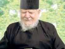 A murit părintele Teofil Părăian de la Sâmbăta de Sus, unul din marii duhovnici ai României