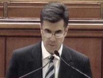 Croitoru în Parlament: Stoparea declinului economic şi acordurile de împrumut, puse în pericol de criza politică