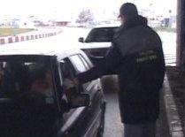 Aglomeraţie în vama Nădlac: Mii de românii au luat drumul Europei pentru a-şi petrece concediul