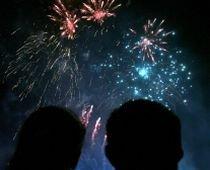 Revelion pe străzile Capitalei: Concerte, artificii, lasere şi mâncare tradiţională