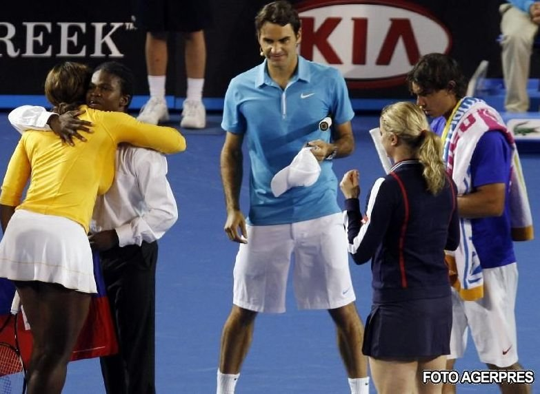 Meci caritabil: Roger Federer şi starurile tenisului mondial au strâns 130.000 de euro pentru victimele din Haiti (VIDEO)