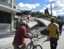 Mărturii din Haiti. Cutremurul care a omorât aproape 200.000 de oameni, pe bloguri (FOTO)