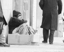 100 de oameni ai străzii din Bucureşti, cazaţi temporar în spitale, din cauza frigului