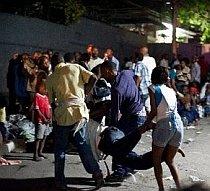 Haiti. Pentru a evita haosul, ajutoarele vor fi distribuite cu prioritate femeilor