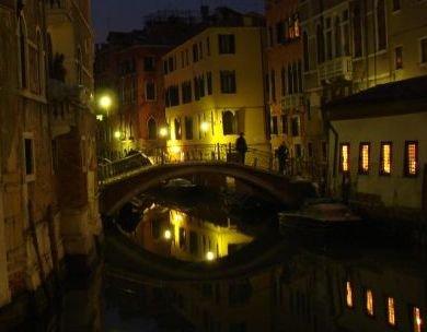 Veneţia demascată. O incursiune turistică în cetatea de pe insule (FOTO)
