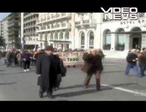Proteste în Europa: După Grecia, Spania şi Portugalia. Românii au pierdut mii de euro de pe urma grevei de la Atena