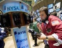 Wall Street creşte pe fondul promisiunii de mai mulţi bani ieftini