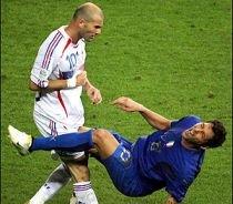 """Zidane, încă foc şi pară pe Materazzi: """"Decât să-i cer scuze, prefer să mor"""""""