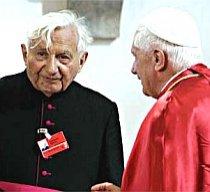 Fratele Papei admite că a lovit elevii