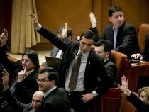 Moţiunea pe Educaţie iniţiată de PNL şi susţinută de PSD, respinsă de senatori