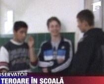 18 copii de la o şcoală din Sibiu înţepaţi cu un ac de doi colegi