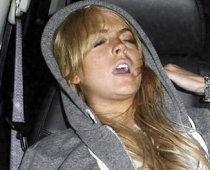Lindsay Lohan, infectată cu virusul HIV? Asta susţine tatăl actriţei