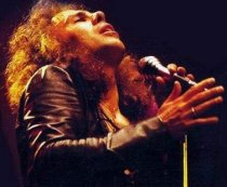 A murit Ronnie James Dio, solistul trupei Heaven & Hell (VIDEO)