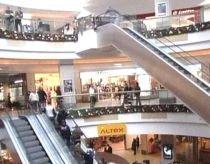 Chiriile magazinelor au scăzut cu aproape un sfert faţă de 2009 (VIDEO)