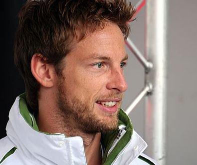 Jenson Button, decorat de Regina Marii Britanii cu ordinul MBE