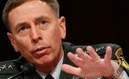 Noul comandant al trupelor NATO din Afganisten este generalul David Petraeus