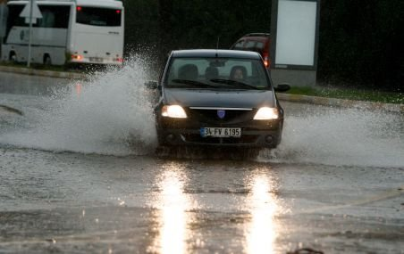 Atenţionare imediată de ploi şi furtună pentru municipiul Buzău