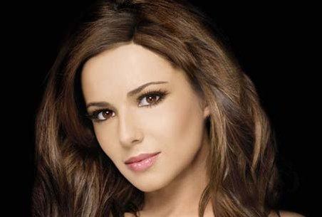 Cântăreaţa britanică Cheryl Cole a fost diagnosticată cu malarie