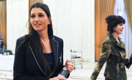 Triunghi amoros cu urmări nefaste: EBA ar fi împiedicat numirea Ancăi Boagiu ambasador la Paris