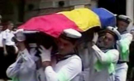 Funeraliile militarilor care au pierit la Tuzla au avut loc în mai multe localităţi din ţară (VIDEO)