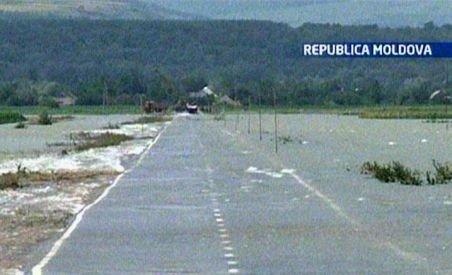 Republica Moldova. 3.000 de oameni evacuaţi şi 560 de case inundate din cauza Prutului în creştere (VIDEO)