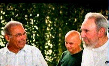 Fidel Castro iese pentru prima dată în public, în ultimii patru ani (VIDEO)