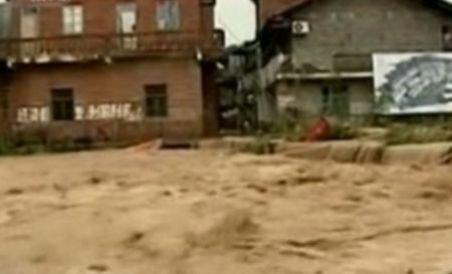 Inundaţii devastatoare în China, soldate cu moartea a peste 40 de persoane
