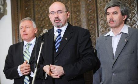 Surse: Tot mai mulţi membri UDMR cer ieşirea de la guvernare