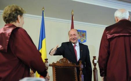 Traian Băsescu i-a trimis preşedintelui CCR o sesizare de neconstituţionalitate privind Legea ANI